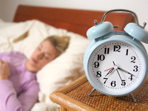 Sono: dormir menos que o necessário pode prejudicar você dos pés à cabeça
